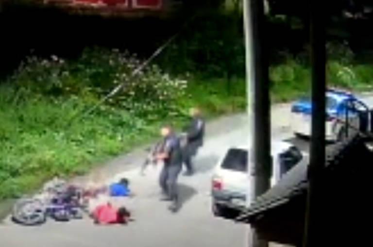 Jovens mortos em Belford Roxo (RJ)