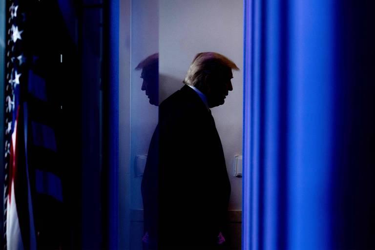 Trump chega aos dias finais de sua Presidência em clima de fúria e negação