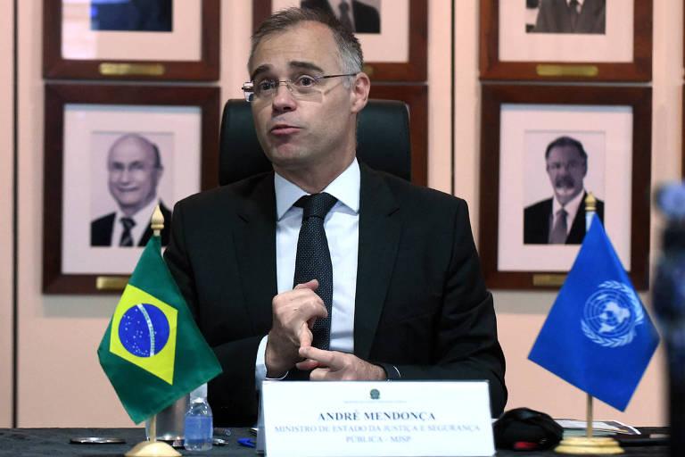 Após pressão, ministro da Justiça diz que policial não tem homeoffice e vai a Pazuello discutir prioridade de vacinação