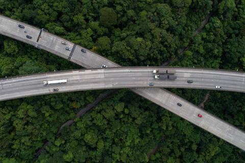 SAO PAULO, SP, BRASIL 21-03-2018: ARTERIS: Rodovia dos Imigrantes. 20 anos de concessoes de rodovias. (Diego Padgurschi /Estudio Folha) *** EXCLUSIVO***