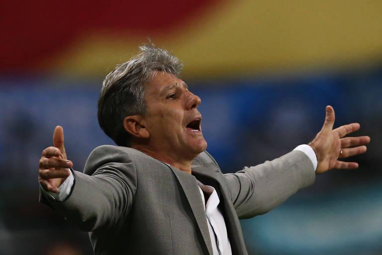 Técnico Renato Gaúcho durante partida entre Grêmio e Santos pela Libertadores, em Porto Alegre