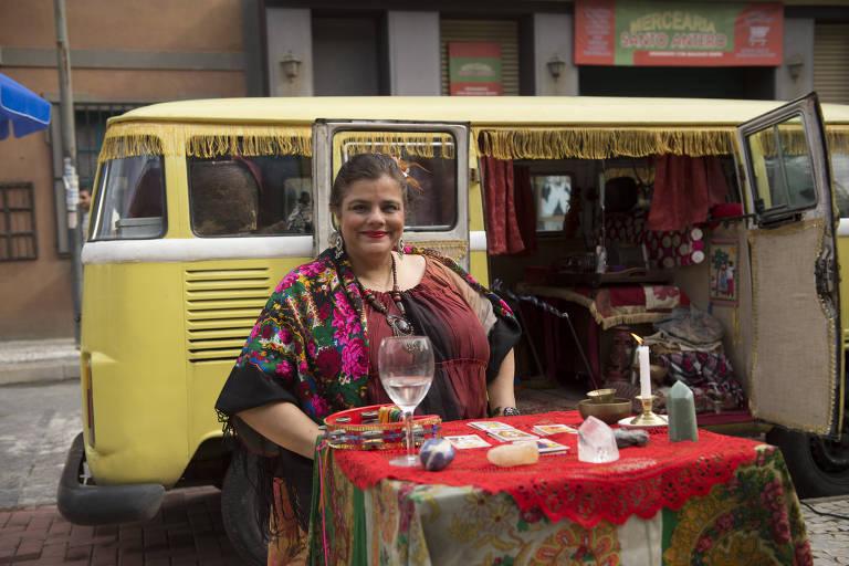 Christina Rodrigues como a cigana Madalena, em 'Malhação Sonhos'