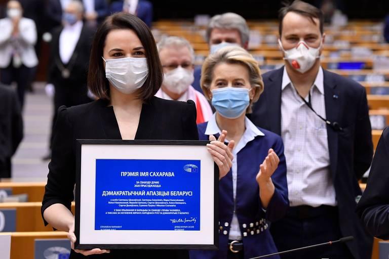 'Venceremos!', diz opositora bielorrussa ao receber principal prêmio da União Europeia