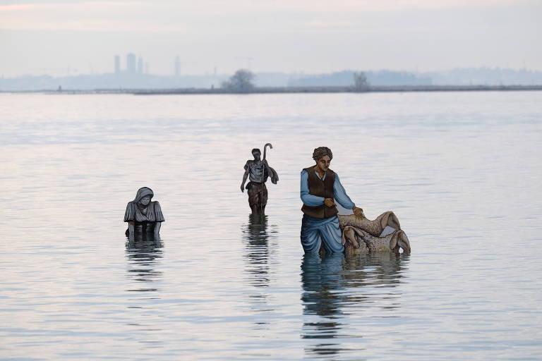 Presépio flutuante leva o Natal à lagoa de Veneza