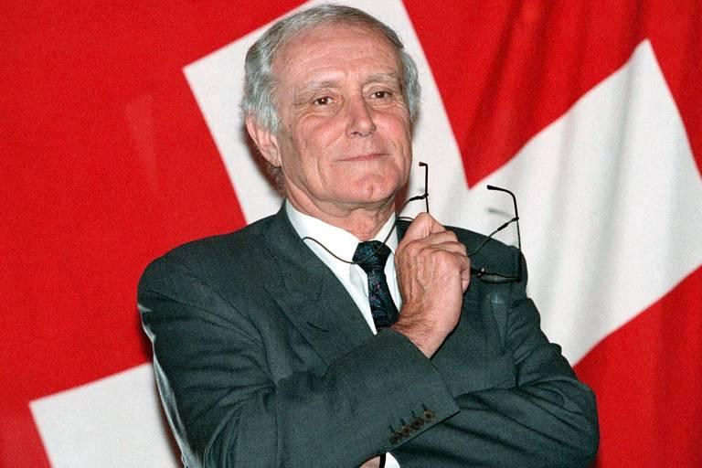 Ex-presidente da Suíça Flavio Cotti morre de Covid-19 aos 81 anos