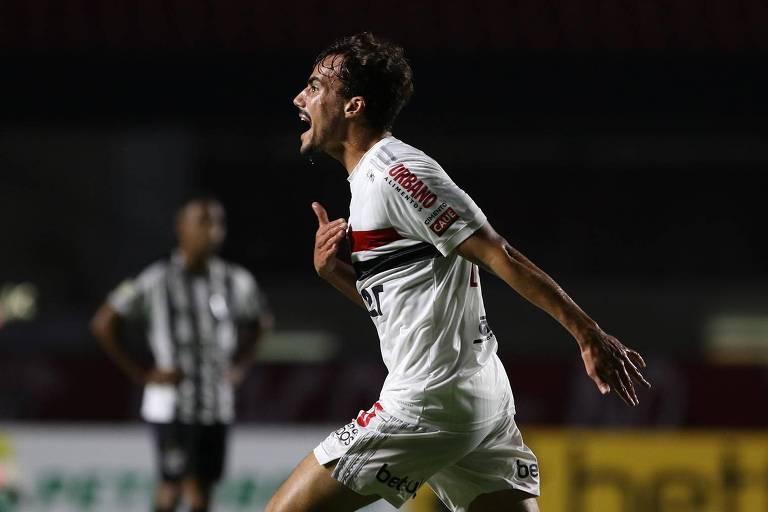 Igor Gomes comemora gol do São Paulo contra o Atlético-MG
