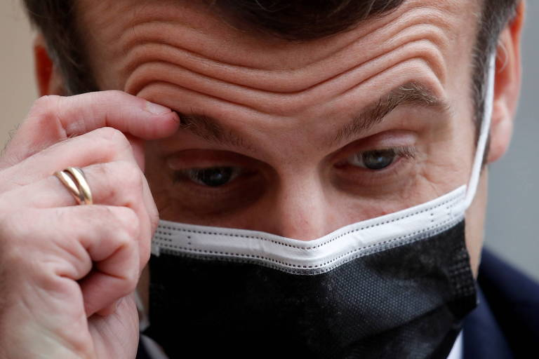 Infecção de Macron por Covid-19 empurra líderes políticos ao isolamento