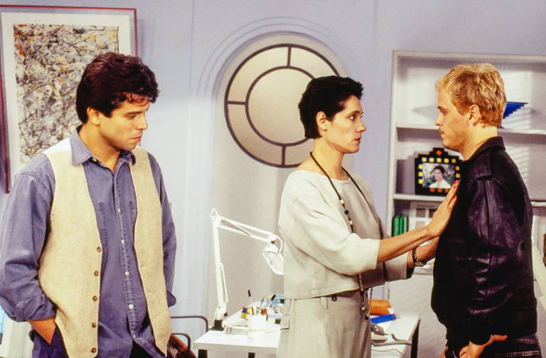 Téo (Maurício Mattar), Diná (Christiane Torloni) e Alexandre (Guilherme Fontes)