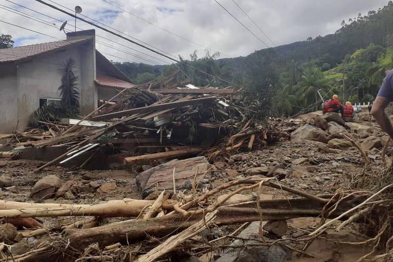 Temporal provoca estragos na cidade de Presidente Getúlio, no Vale do Itajaí