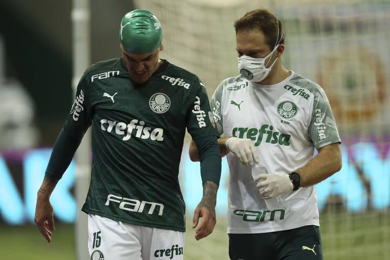 Bareiro, do Libertad, foi substituído no intervalo, já Goméz, do Palmeiras, retornou para o segundo tempo, mas não aguentou as dores e a sensação de tontura e acabou substituído também
