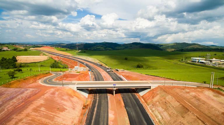Obras no corredor das rodovias Ayrton Senna e Carvalho Pinto