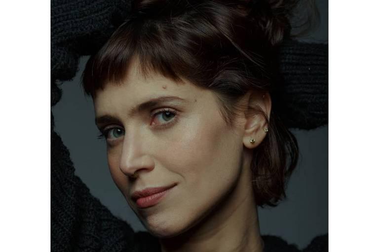 Imagens da atriz Mel Lisboa