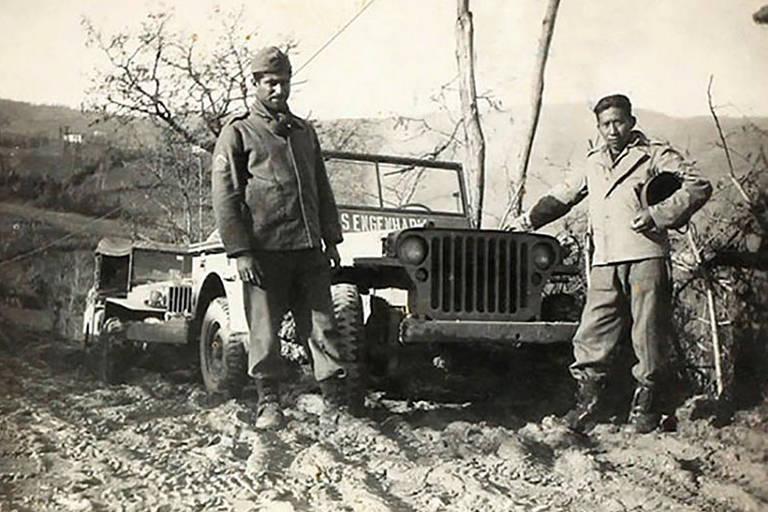 Venceslau Ribeiro (à direita); o indígena chegou ao posto de segundo sargento na FEB e lutou contra os nazistas na Itália durante a Segunda Guerra Mundial