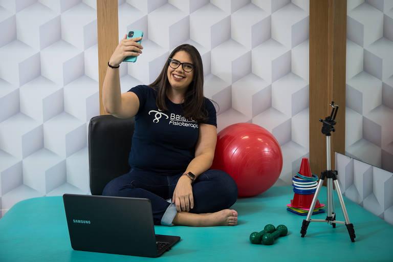 A fisioterapeuta, empresária e nanoinfluenciadora Giulianna Ferrero, 32, que passa informações e dicas aos seus seguidores sobre esclerose múltipla