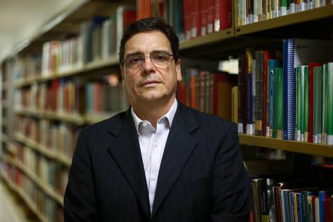 'Brasil regrediu, e governo vai sair gastando', lamenta um dos pais do teto de gastos