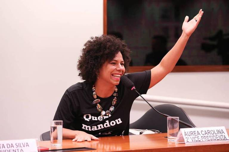 A deputada Áurea Carolina em sessão na Câmara