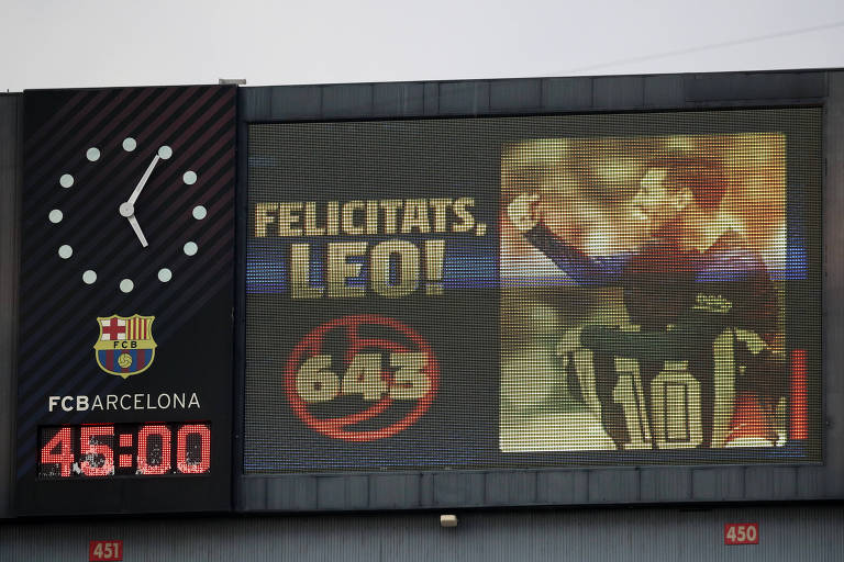 O que significa Messi alcançar Pelé em gols oficiais por um clube