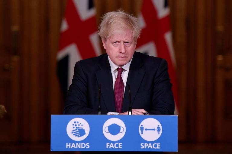 O primeiro-ministro britânico, Boris Johnson, participa de entrevista coletiva virtual em Londres