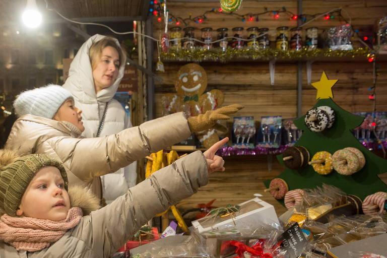 Feira natalina na Rússia e quarentena na Austrália; veja fotos de hoje