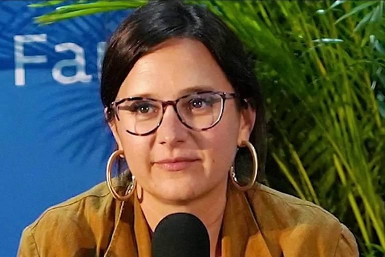 A jornalista Bari Weiss em entrevista à Fox News