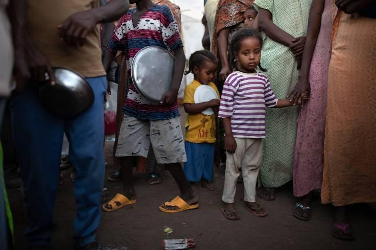 Crianças desalojadas sofrem no conflito de Tigré