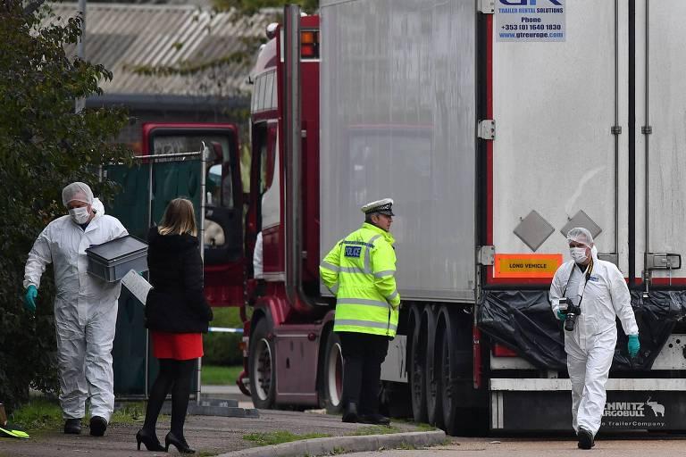 Dois homens são condenados por morte de 39 imigrantes em caminhão no Reino Unido