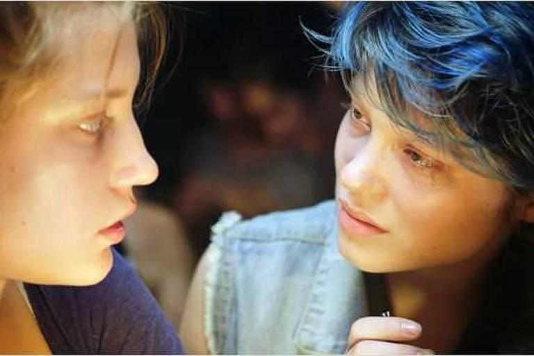 """Cena do filme """"Azul é a Cor Mais Quente"""""""
