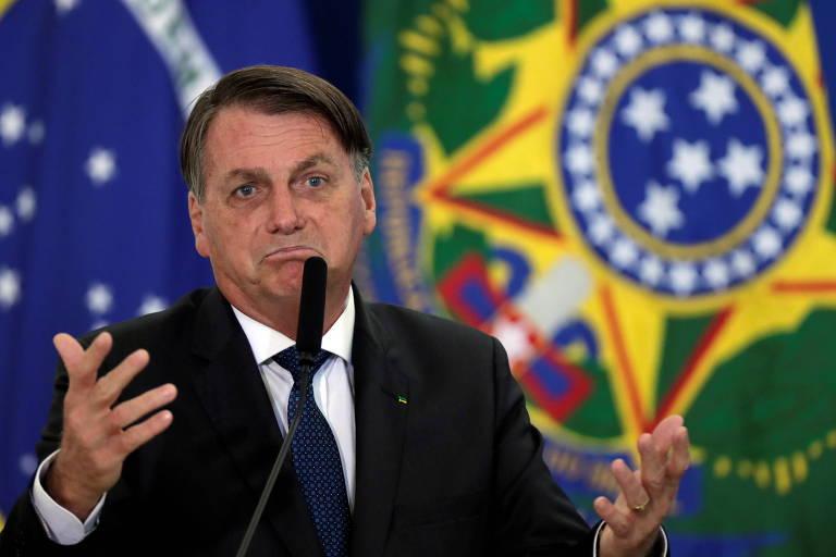 O presidente Jair Bolsonaro discursa em cerimônia no Planalto