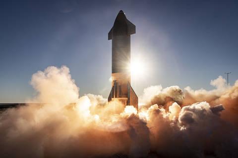Lançamento, em 10 de dezembro de 2020, do projeto Starship, da SpaceX, que pretende colonizar Marte e promover viagens espaciais de ponto a ponto na Terra