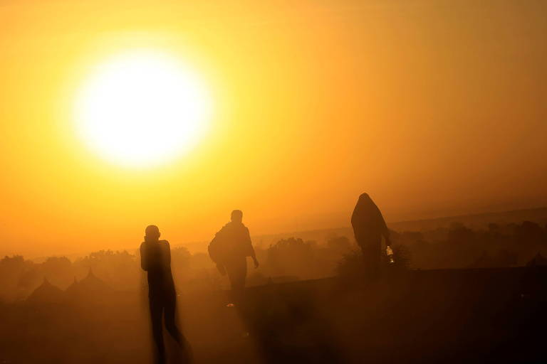 Atiradores matam mais de cem pessoas em ataque na Etiópia