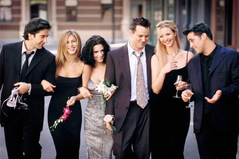 "Da esquerda para a direita, os atores da série ""Friends""; David Schwimmer, Jennifer Aniston, Courteney Cox, Matthew Perry, Lisa Kudrow e Matthew Perry."