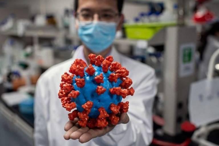 Desde que começou a infectar humanos na China, o coronavírus já apresentou muitas mudanças em seu genoma ao redor do mundo e com o passar do tempo