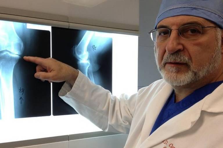 O médico que virou pianista de sucesso após ser atingido por um raio