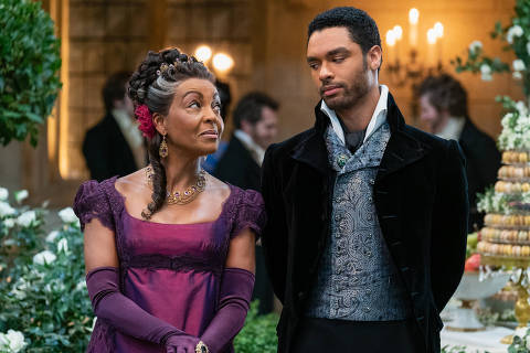 BRIDGERTON (L to R) ADJOA ANDOH as LADY DANBURY and REGÉ-JEAN PAGE as SIMON BASSET in episode 108 of BRIDGERTON Cr. LIAM DANIEL/NETFLIX © 2020