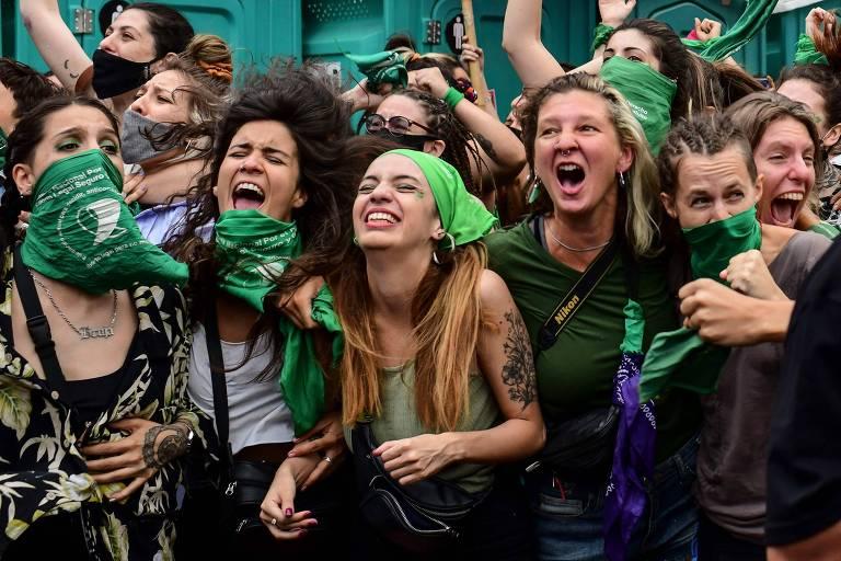 Dividido, Senado vota se argentinas poderão abortar apenas pela própria vontade