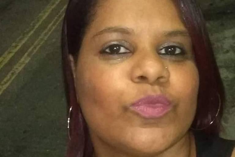 Mulher é morta em casa com facadas nas costas na zona sul de SP