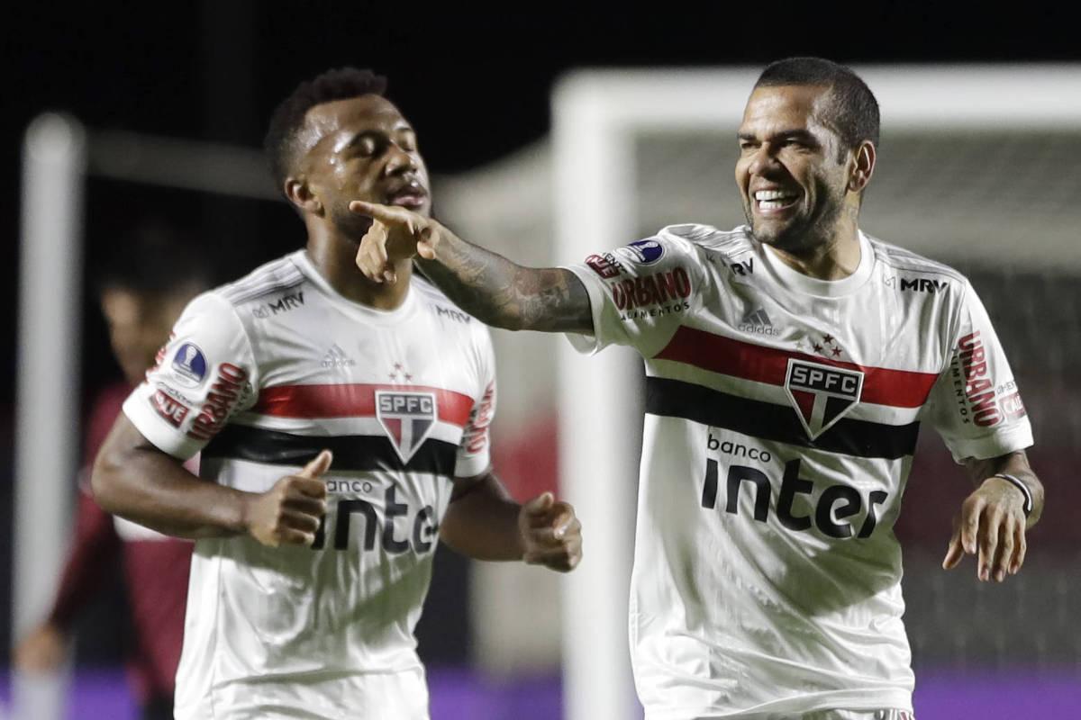 O meio-campo é a alma e o coração de São Paulo e Grêmio
