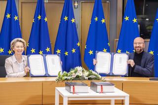 BELGIUM-BRUSSELS-EU-UK-TRADE DEAL-SIGNING