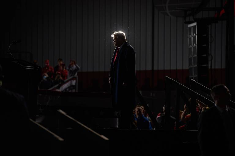 Passou da hora de a mídia desmontar o circo em torno de Trump e se desintoxicar