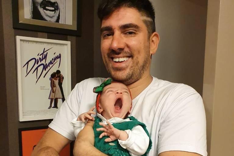 Em entrevista ao pai, Adnet lembra perrengues e fala da paternidade
