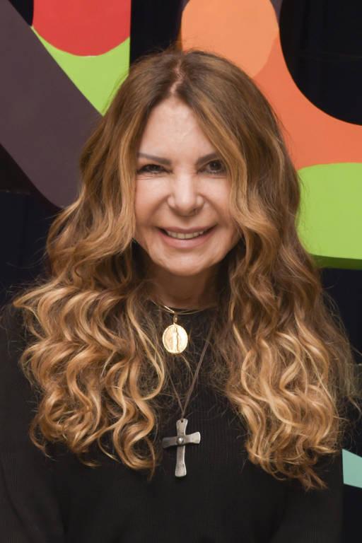 Imagens da cantora Elba Ramalho