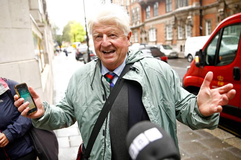 Stanley Johnson, pai do primeiro-ministro Boris Johnson, em Westminster, em Londres