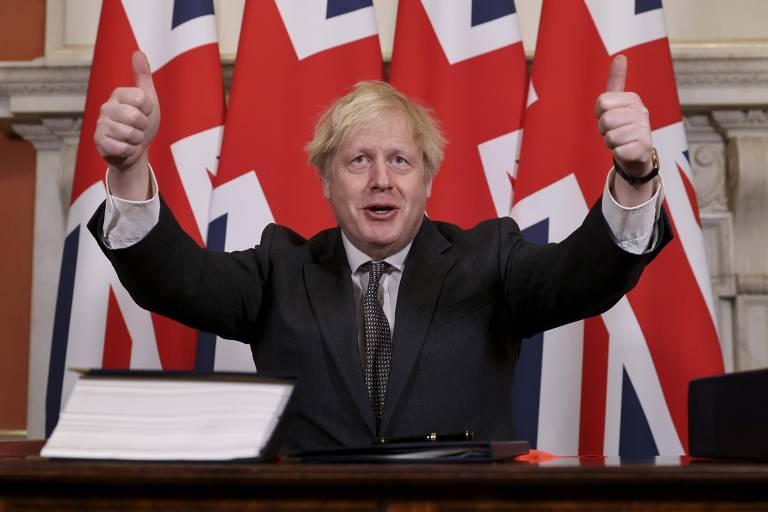 O primeiro-ministro Boris Johnson depois que o acordo pós-brexit foi aprovado no Parlamento