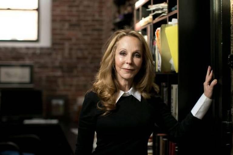 Goldstein é autora de uma dezena de livros, tanto de ficção quanto de não ficção