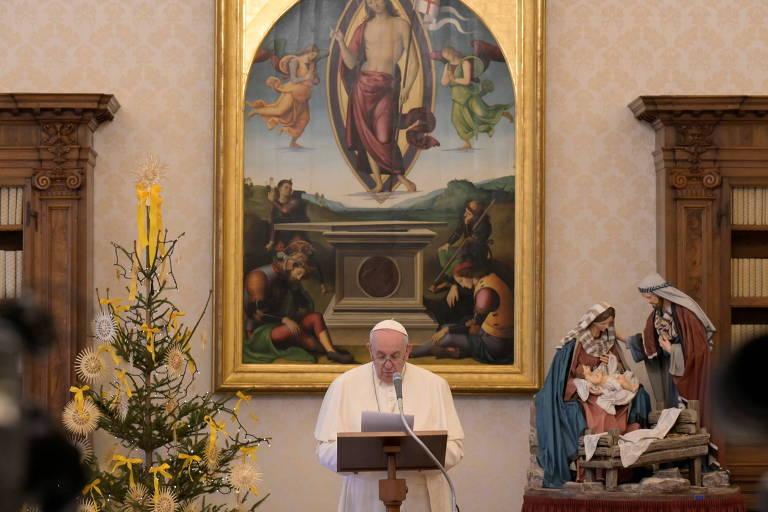 Papa diz que deve tomar vacina na próxima semana e critica 'negacionismo suicida'