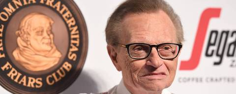 (FILES) In this file photo taken on September 21, 2016 Larry King attends the Friars Club Honors Martin Scorsese With Entertainment Icon Award at Cipriani Wall Street in New York City. - Veteran talk show host Larry King has been hospitalized with Covid-19, US media reported on January 2, 2021. (Photo by ANGELA WEISS / AFP) ORG XMIT: 01