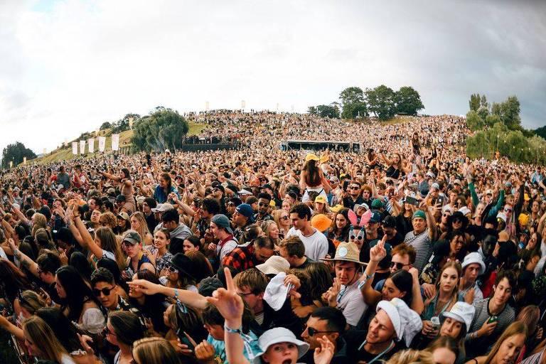 Nova Zelândia realiza festivais de música com multidões no Réveillon
