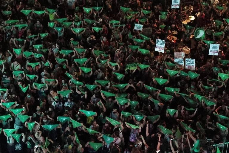 Na Argentina, movimento do lenço verde teve seu momento de glória