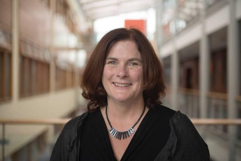 Jane Suiter, diretora do Instituto para Midia e Jornalismo do Futuro e professora da Universidade de Dublin, na Irlanda