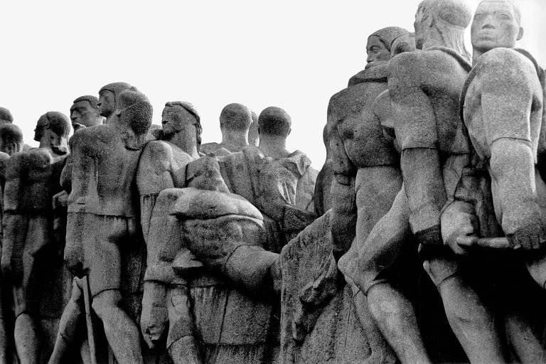 Monumento às Bandeiras, escultura de Victor Brecheret na zona sul de São Paulo
